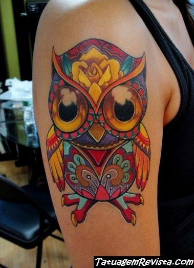 tattoos-de-corujas-con-muchos-colores-2