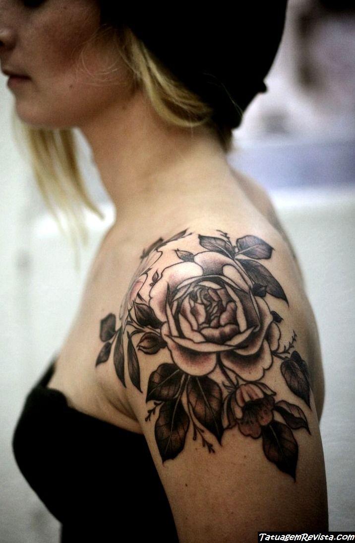 tattoos-de-flores-para-el-ombro