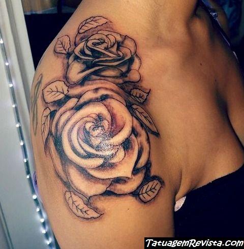tatuagems-de-rosas-no-ombro