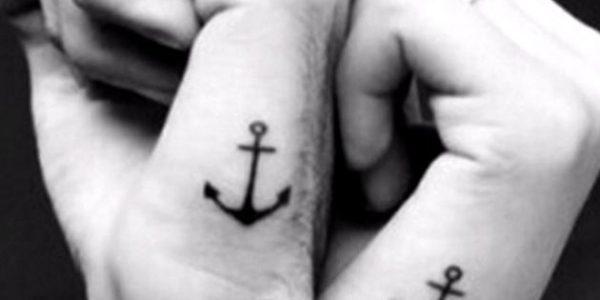 tatuagens-con-nomes-no-pulso