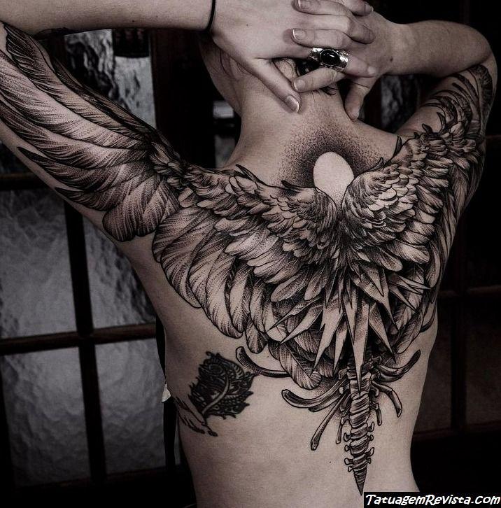 tatuagens-de-asas-nas-costas-4