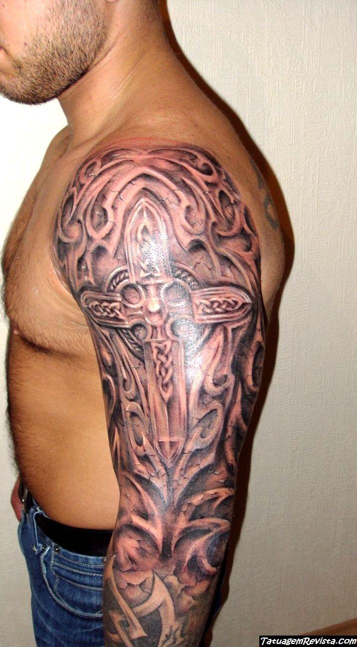 tatuagens-de-cruz-en-el-hombro