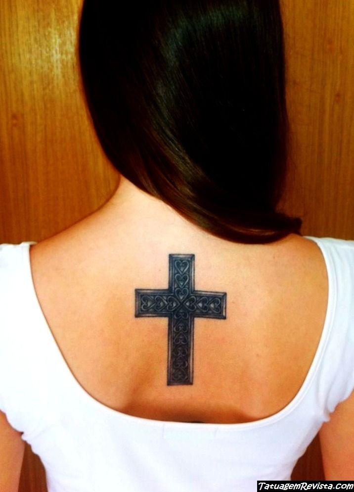 tatuagens-de-cruzadas-para-mulheres-5