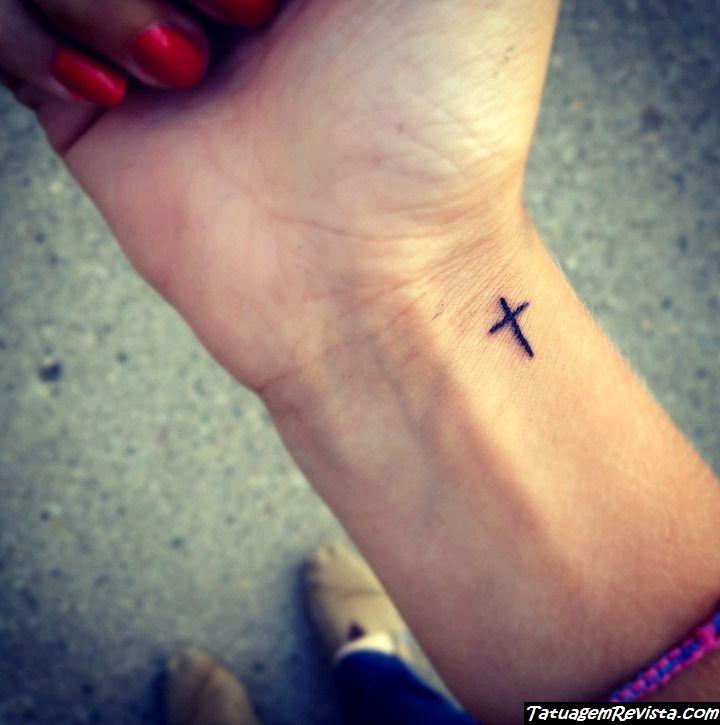 tatuagens-de-cruzadas-pequenas-1