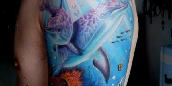 tatuagens-de-golfinhos-en-el-mar-1