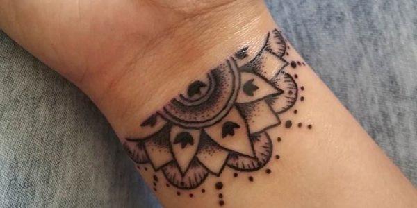 tatuagens-de-mandalas-en-la-pulso-1