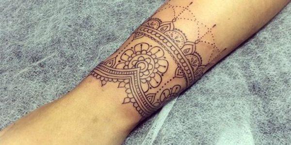 tatuagens-de-mandalas-en-la-pulso