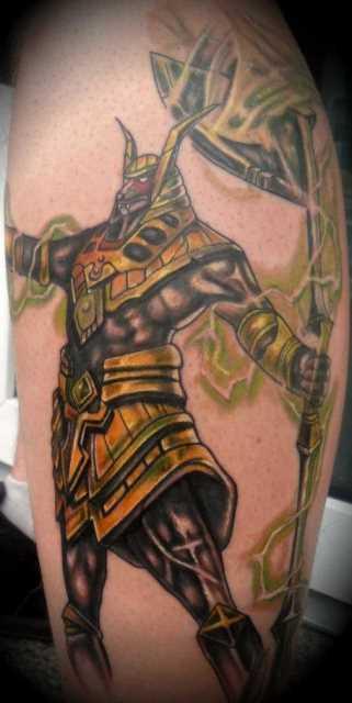 Tatuagem sobre a perna do cara - of anubis