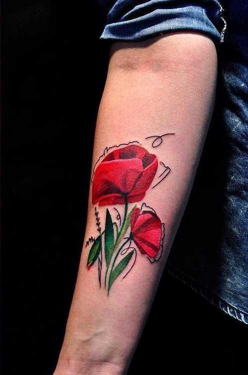 A foto da tatuagem de cores no estilo newschool no antebraço da menina