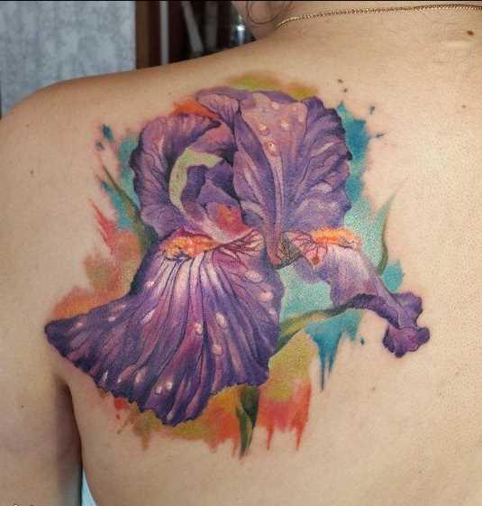 A foto da tatuagem de íris blade menina