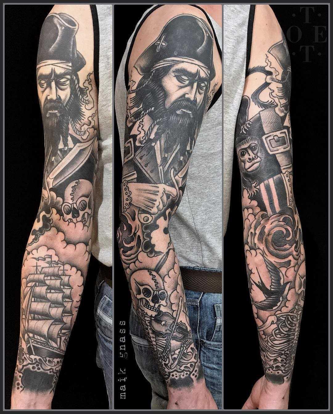 A imagem de um pirata com o veículo na manga cara