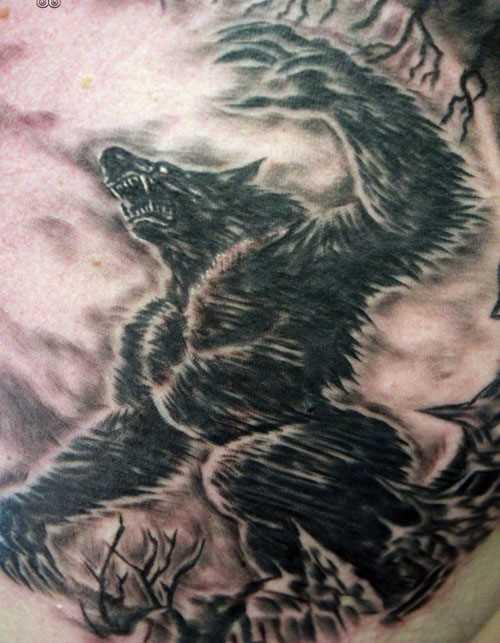 A tatuagem de blade o homem - um lobisomem