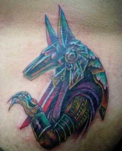 A tatuagem do cara nos quadris - of anubis