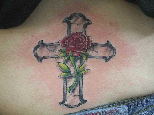 A tatuagem no cóccix, as meninas - rosa