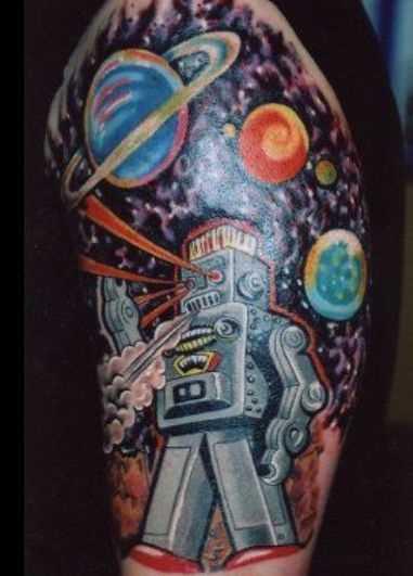 A tatuagem no ombro de um cara - o espaço e o astronauta