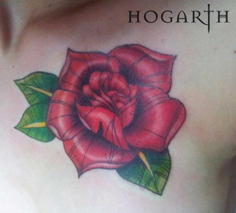 A tatuagem no peito do cara - rosa