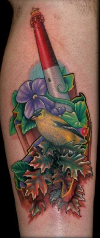 Bela tatuagem na perna de um cara - farol, de pássaro, de flores e folhas