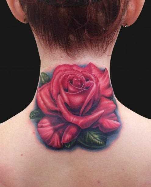Bela tatuagem no pescoço de menina - rosa