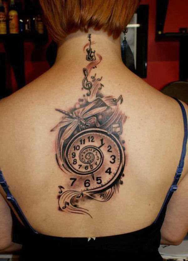 Bela tatuagem que a menina da coluna vertebral - relógios