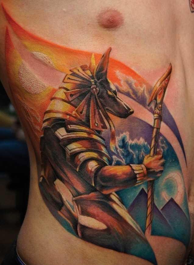 Cores de tatuagem ao lado de um cara - of anubis