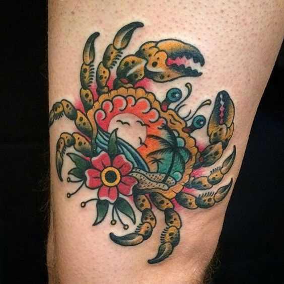 Cores de tatuagem de caranguejo no quadril cara