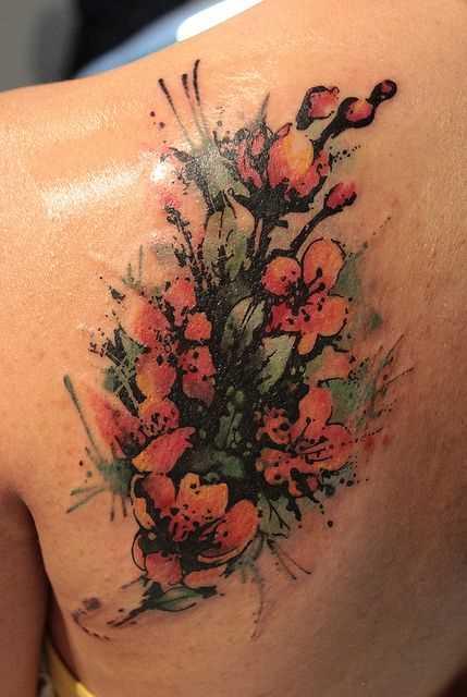 Foto a cores de tatuagem zhasminov blade menina