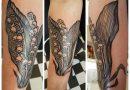 Foto da tatuagem lírio do vale em pedpleche menina