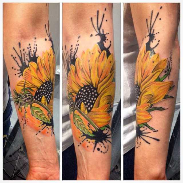 Fotos de tatuagem de girassol no antebraço da menina