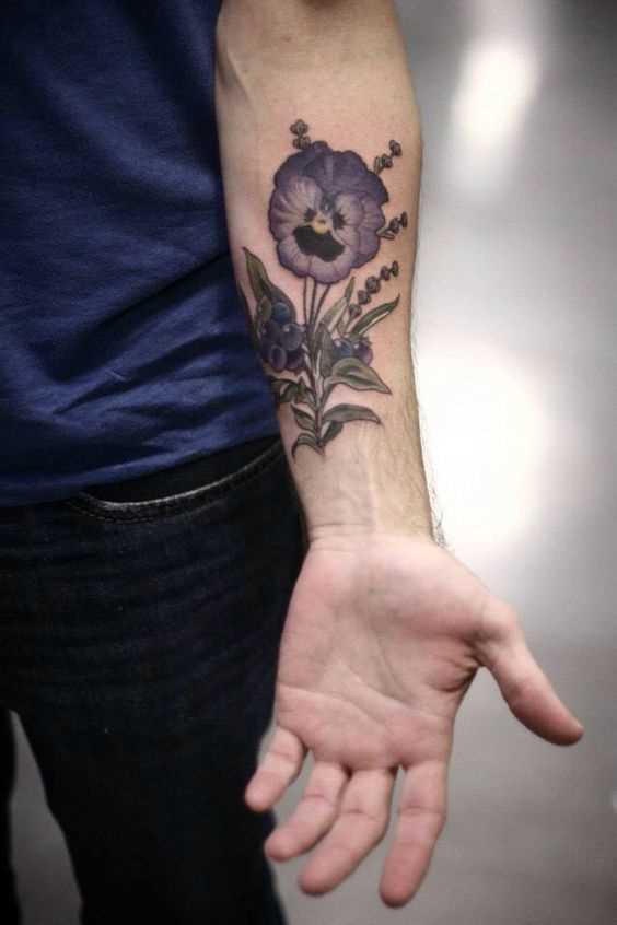 Fotos de tatuagem de violeta no antebraço cara
