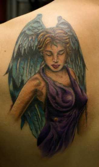 Linda tatuagem de blade o cara - de- anjo em forma de menina