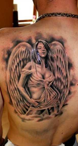 Linda tatuagem de blade o cara - de- anjo em forma sexual de meninas