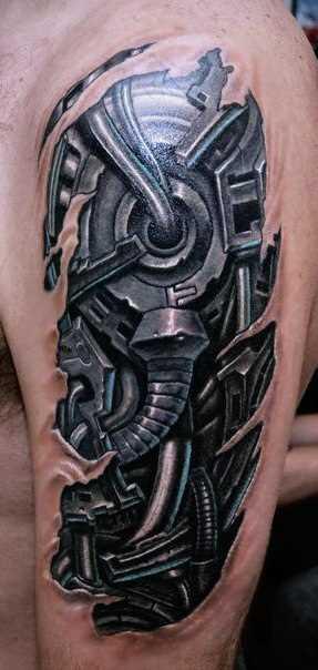 O estilo de biomecânica - tatuagem no ombro do cara