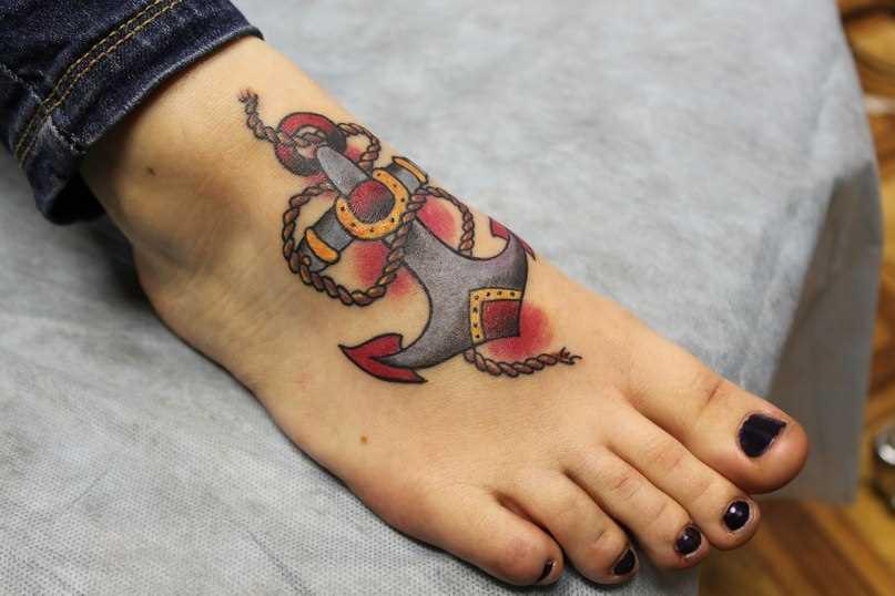 Oldschool tatuagem no batente da menina - âncora