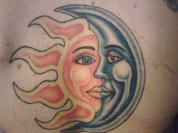 Tattoo blade menina - o sol e a lua
