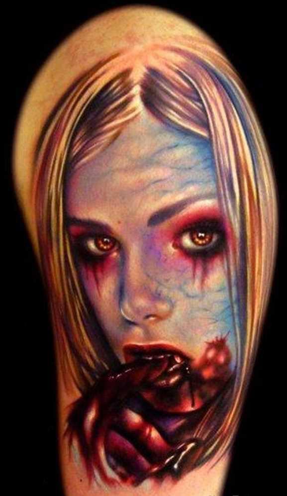 Tatuagem vampiro no ombro de homens