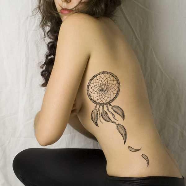 Tatuagem ao lado de uma menina - o apanhador de sonhos