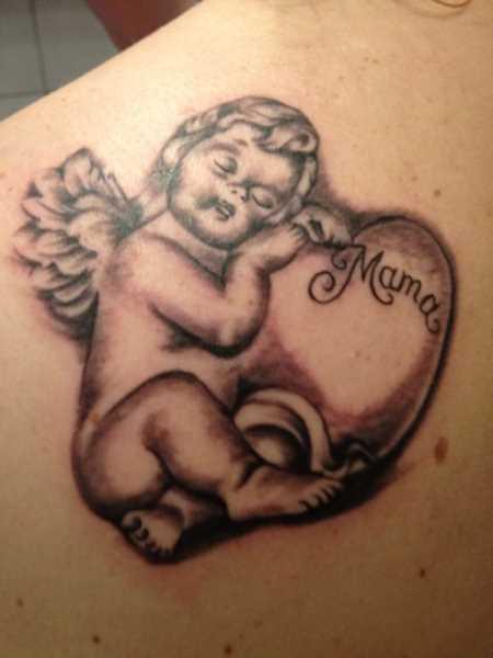 Tatuagem blade a menina - anjo em forma de criança e inscrição