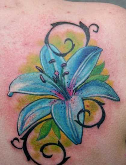 Tatuagem blade a menina - azul lírio e padrão de