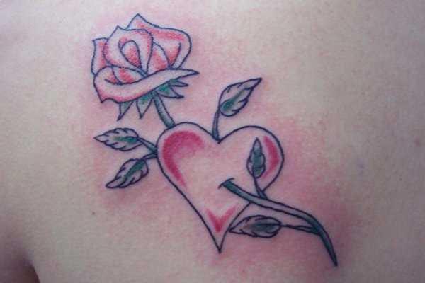 Tatuagem blade a menina - rosa e coração