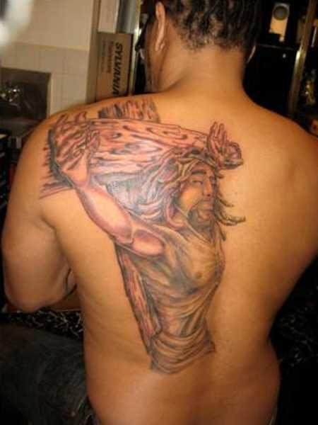 Tatuagem blade cara - a cruz com Jesus crucificado