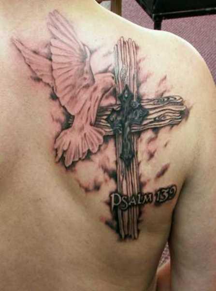 Tatuagem blade cara - a cruz e a pomba