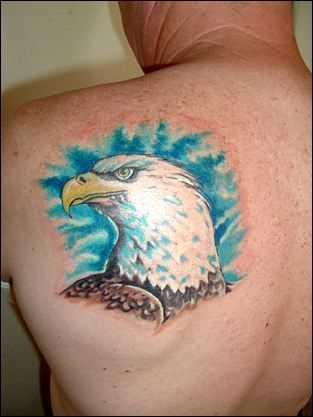 Tatuagem blade cara - cabeça da águia