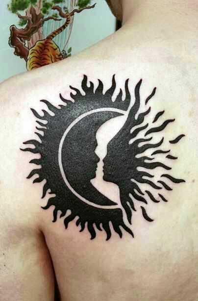 Tatuagem blade cara o sol e a lua