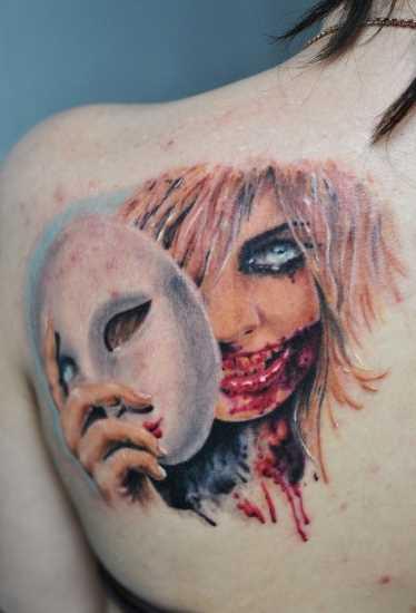 Tatuagem blade menina - menina com uma máscara