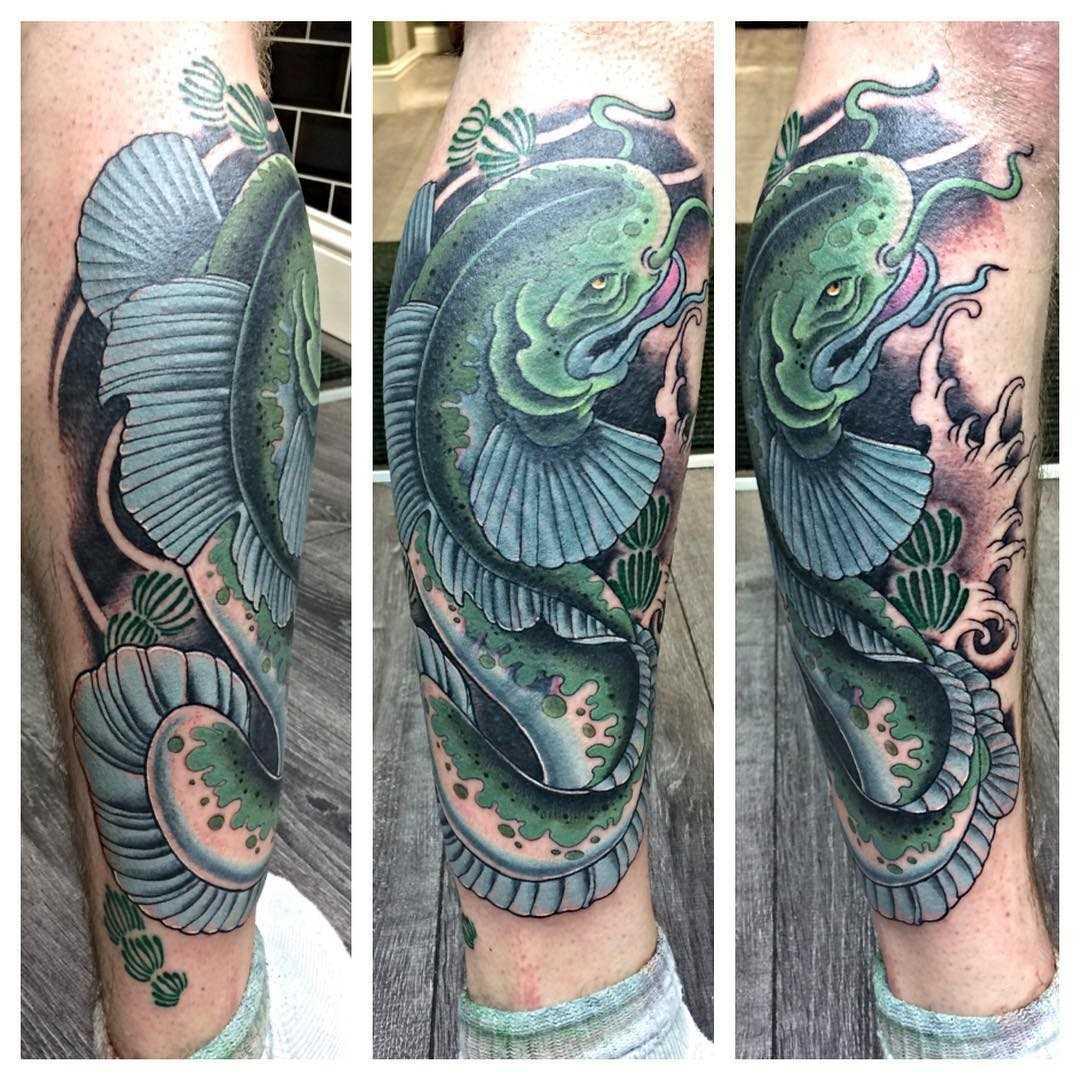 Tatuagem de bagres pernas homens