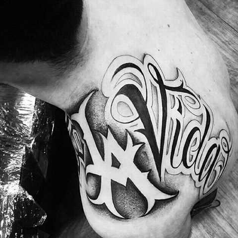 Tatuagem de chicano blade cara - monograma LA e inscrição