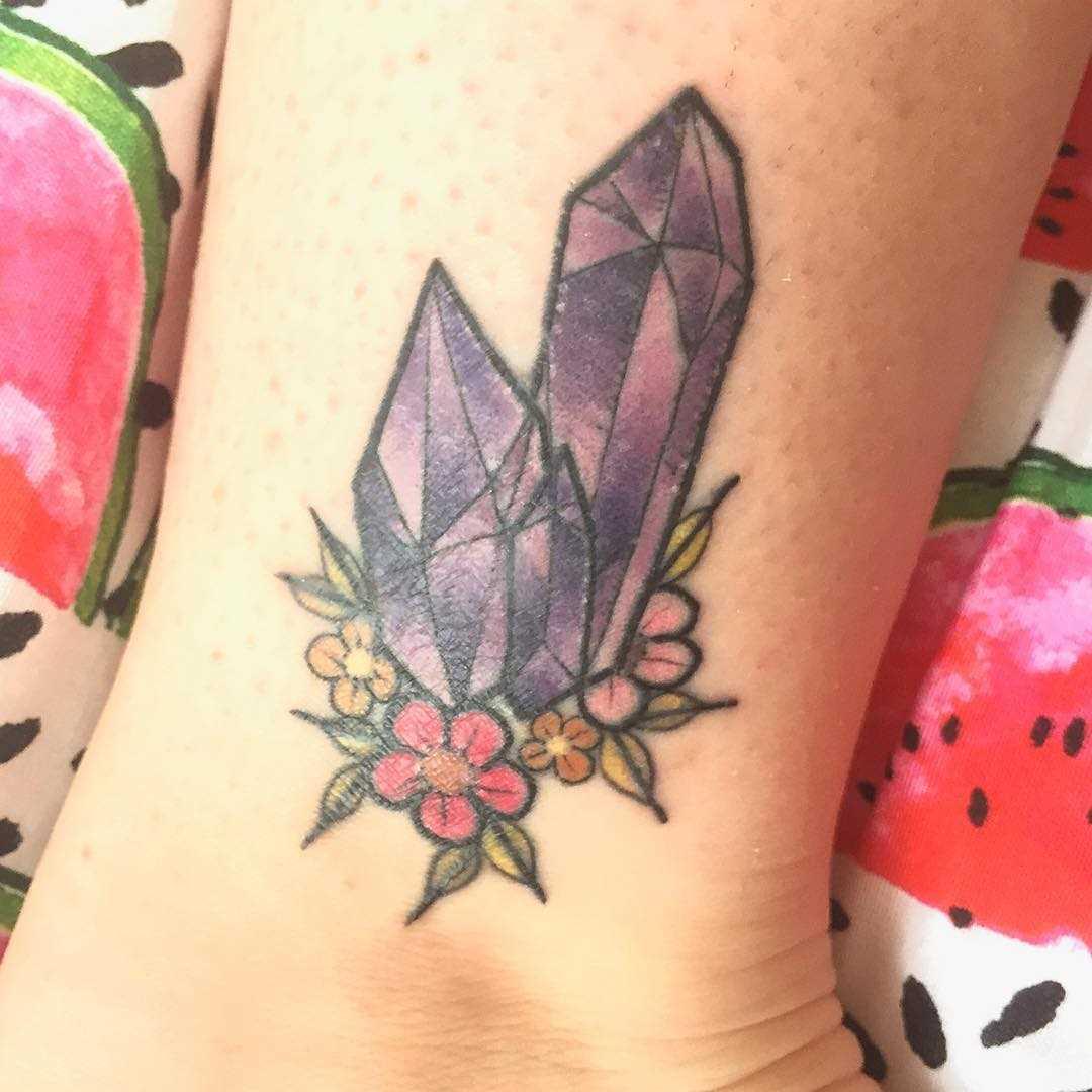 Tatuagem de cristais t menina