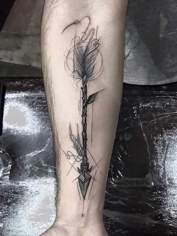 Tatuagem flechas no antebraço cara