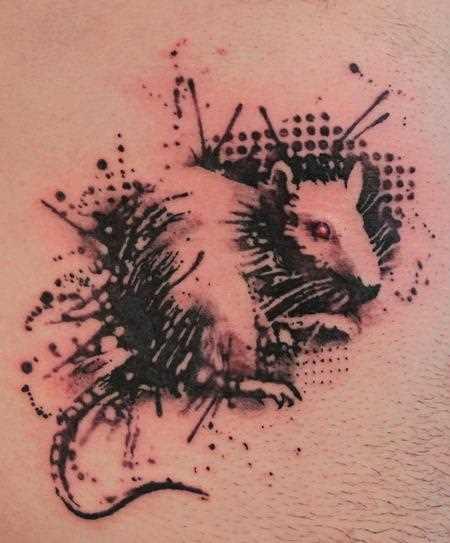 Tatuagem na barriga de um cara - de- rato