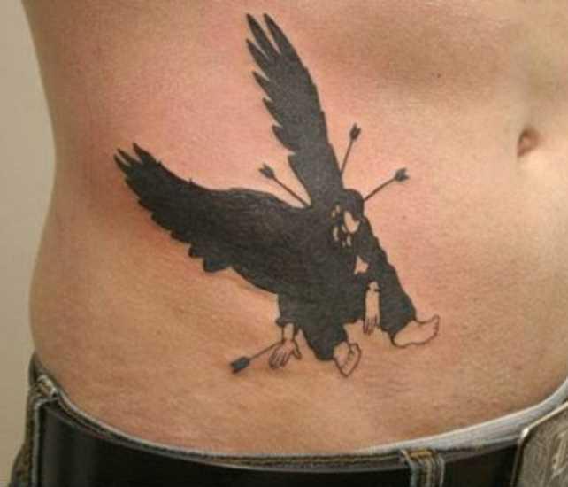 Tatuagem na barriga do cara - de- anjo escuro